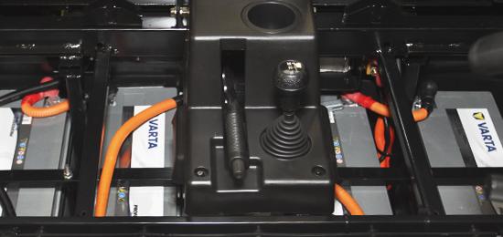 """""""Varta Professional"""" akumuliatorius""""UTV Linhai E-5S"""" maitina aukštos kokybės """"Varta Professional Deep Cycle AGM"""" traukos akumuliatoriai - viena iš aukščiausios kokybės baterijų. Šios baterijos turi nuolatinį energijos rezervą ir itin ilgą tarnavimo laiką."""